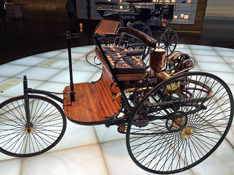 carlock visits the mercedes benz museum carlock. Black Bedroom Furniture Sets. Home Design Ideas